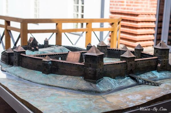 Реконструкция полуостровного замка