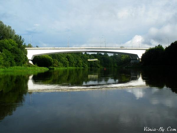 А вось і першы мост. Усяго такіх і падобных да яго мастоў на нашым шляху з Вэрак да Закрэта было дзесяць.