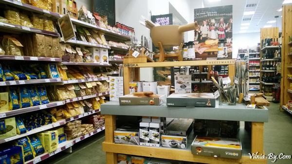 В магазине много товаров, доказывающих, что приготовление пищи - не адский труд, а удовольствие